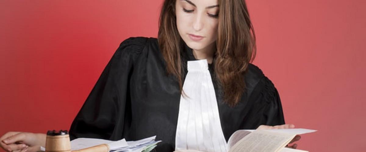 Différence entre un avocat fiscaliste paris et un comptable