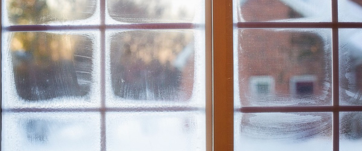 Entretien de la fenêtre à domicile pendant l'hiver